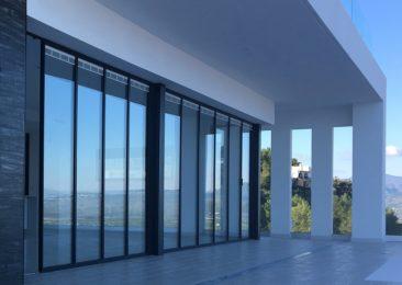 ULTRASLIM with integral blinds